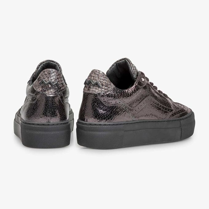 Dark silver-coloured leather lace shoe with a metallic print