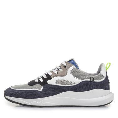 Leder-Sneaker mit seiner modischen Sohle