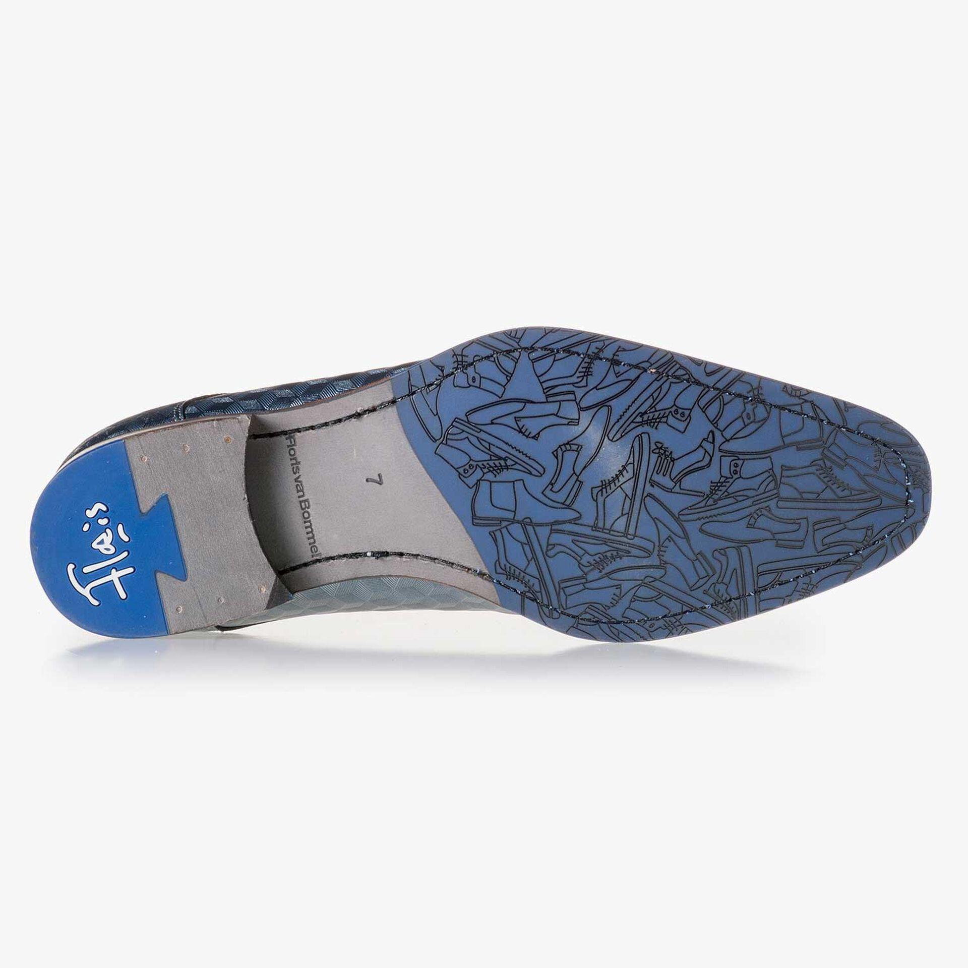 Grauer Leder Schnürschuh mit Hexagonprint
