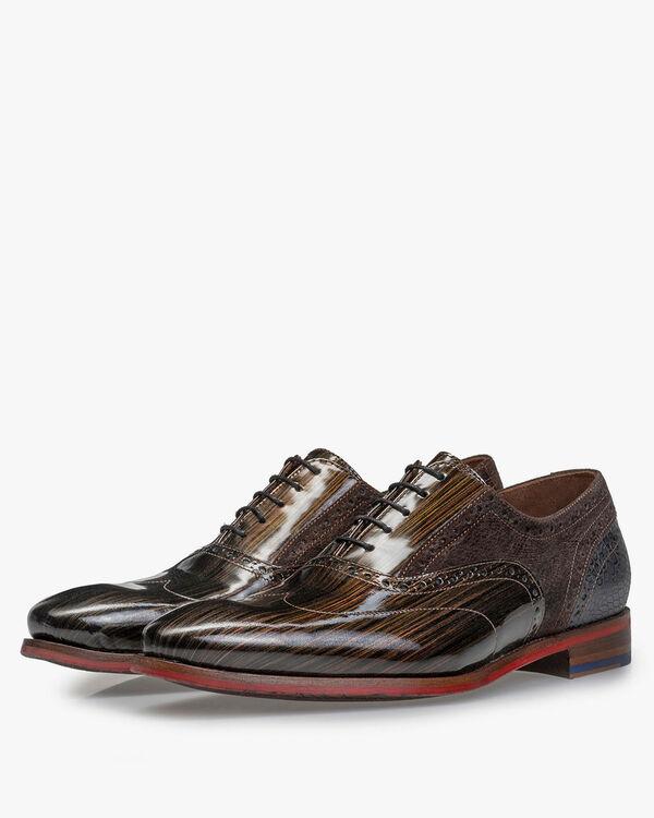 Brogue bronze patent leather
