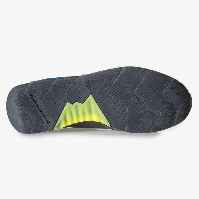 Graublauer Wildleder-Sneaker