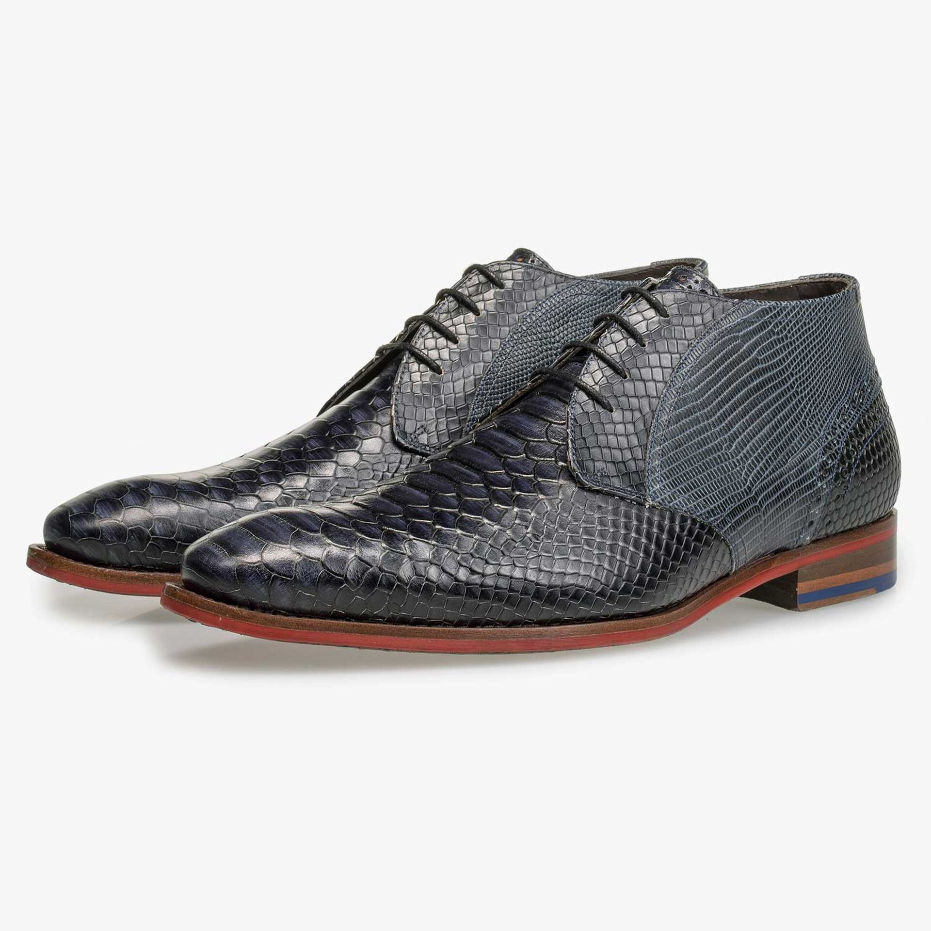 Mid-high blue leather lace shoe with snake print
