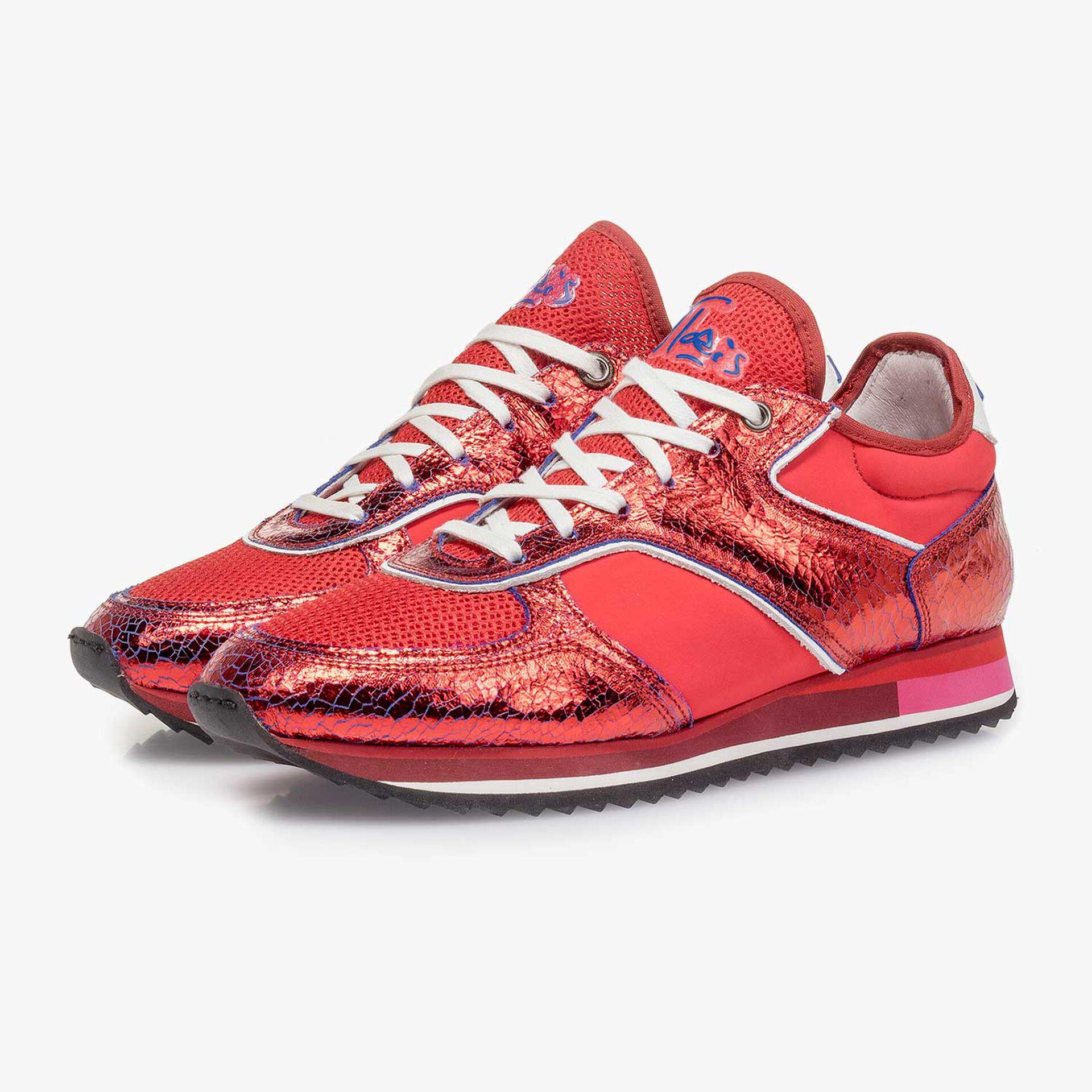 Roter Metallic Leder-Sneaker mit changierendem Effekt