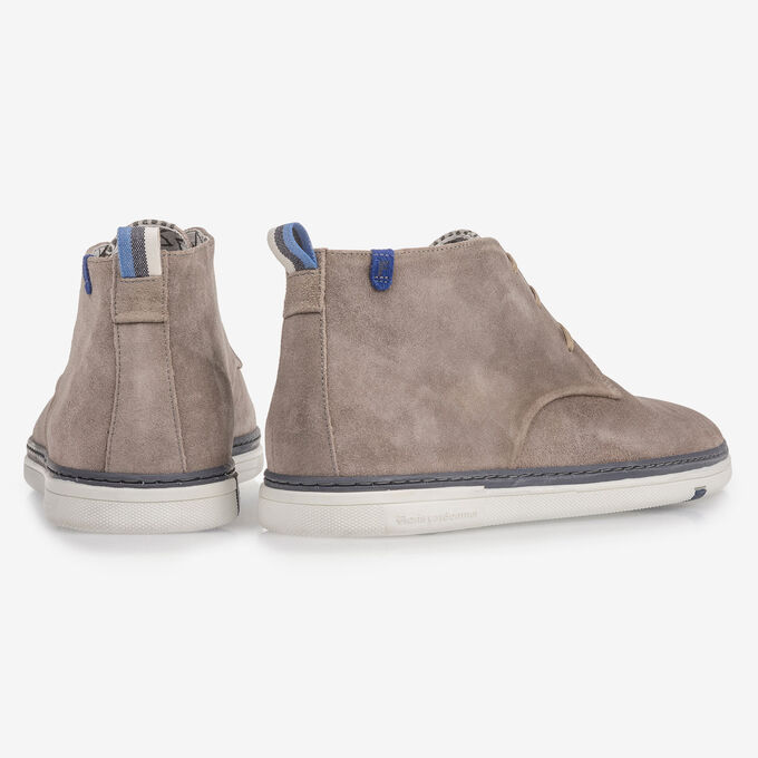Taupe-coloured suede leather lace boot
