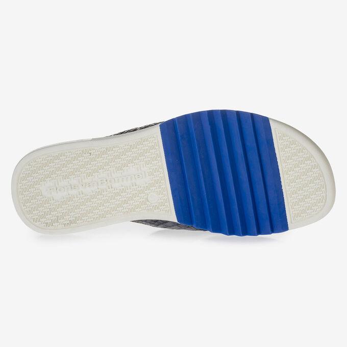 Dark blue thong slipper with croco print