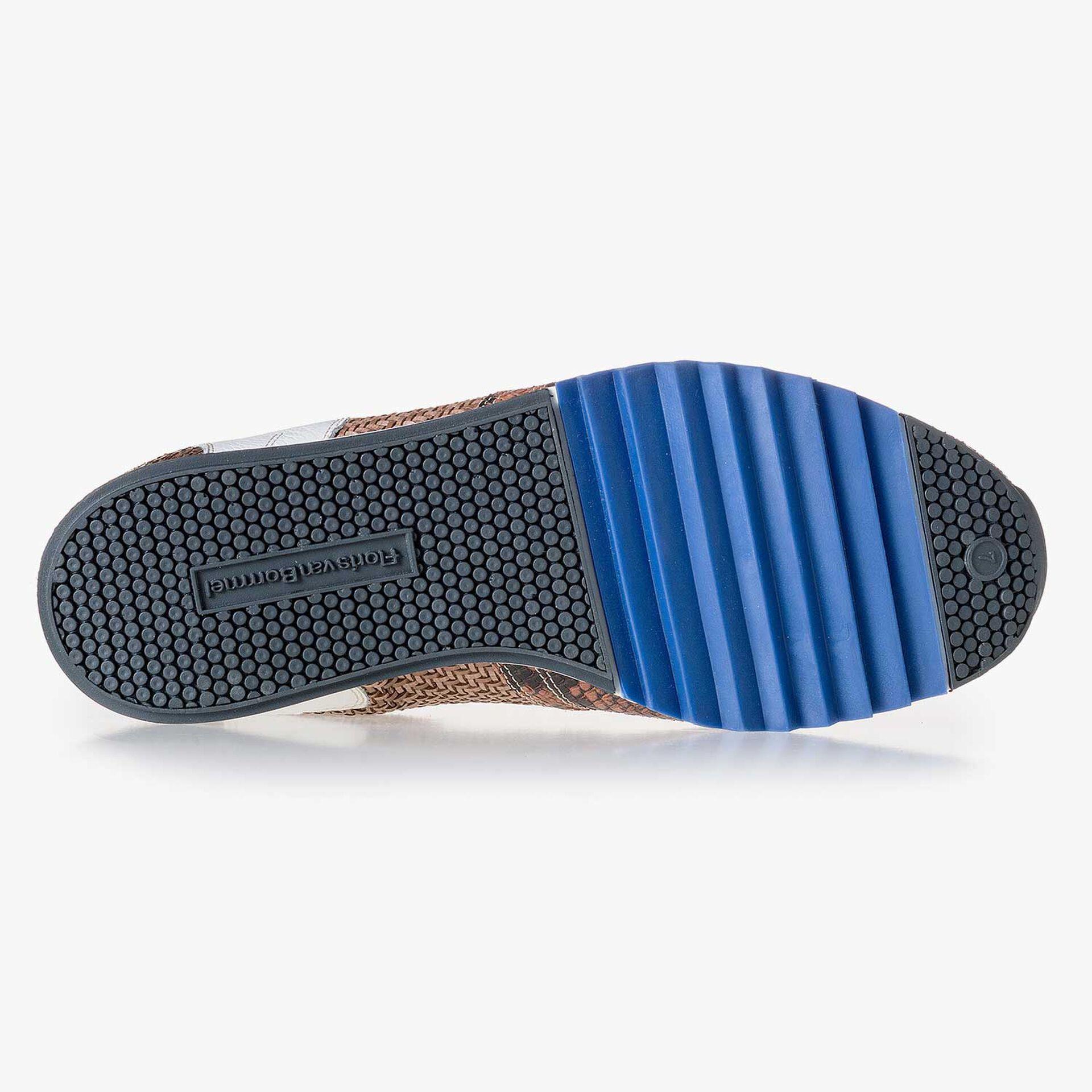 Cognacfarbenes Leder Sneaker mit Schlangenprint