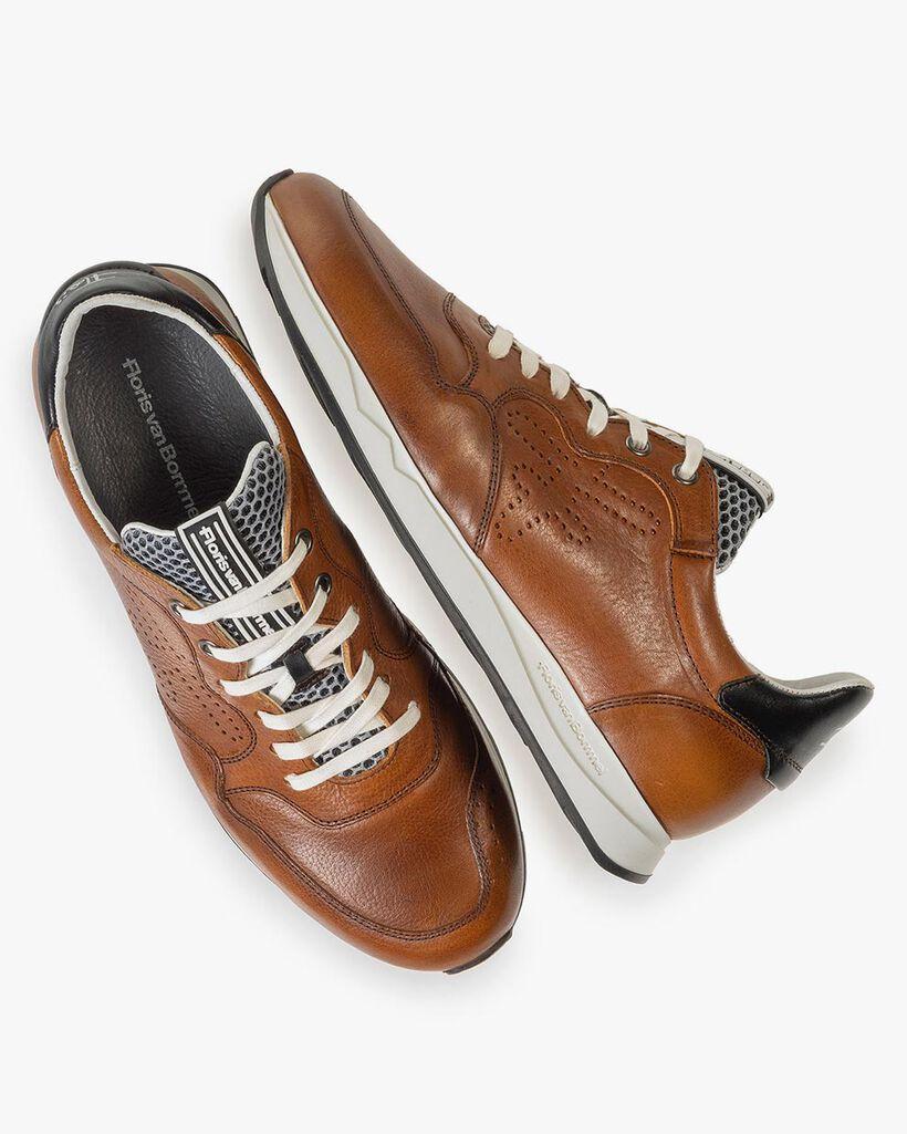 Cognacfarbener Kalbsleder-Sneaker