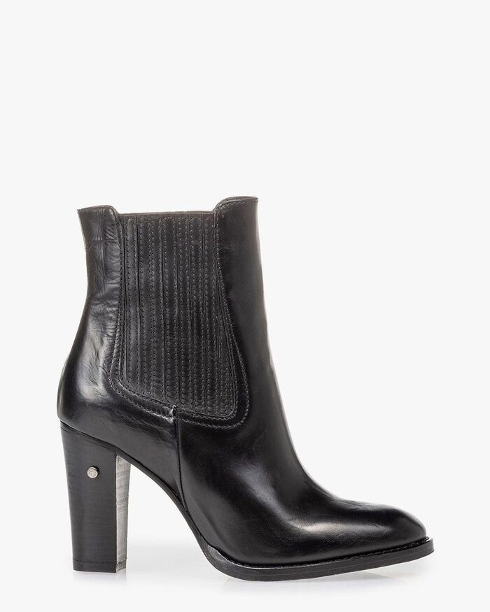 Ankle boot calf leather black