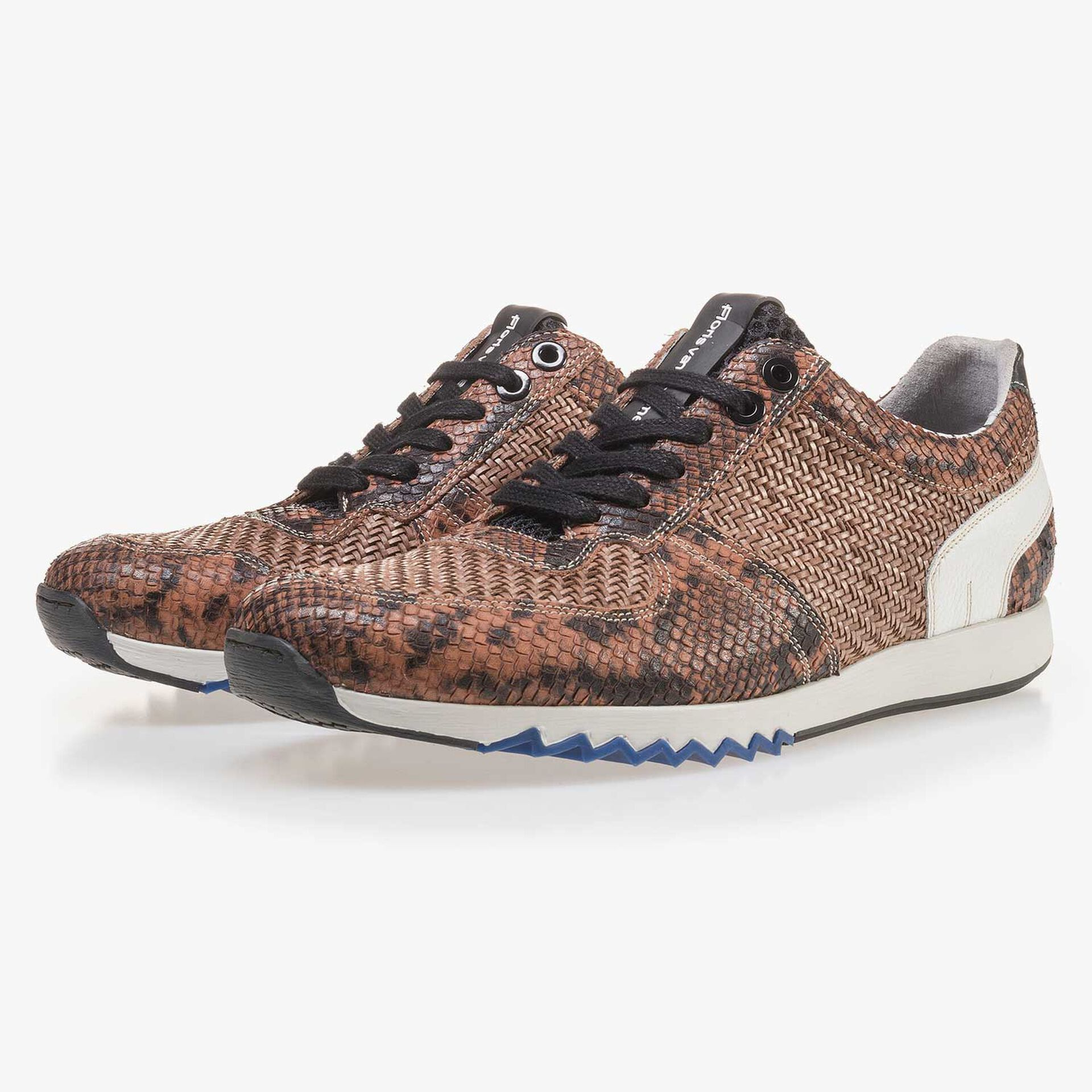 Cognac-coloured leather sneaker finished with a snake print
