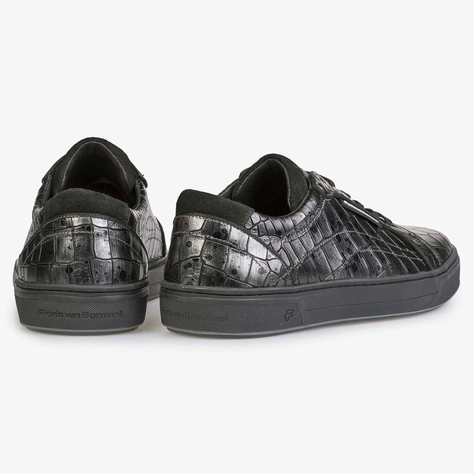 Leather sneaker with croco print