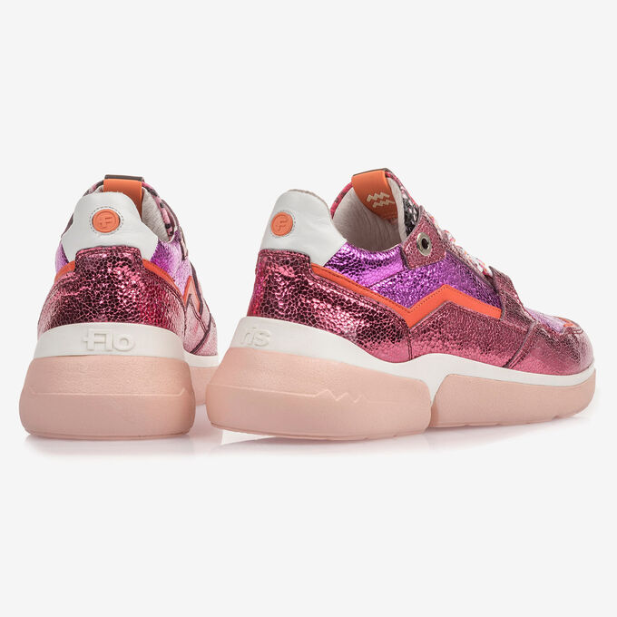 Pink leather sneaker with metallic print