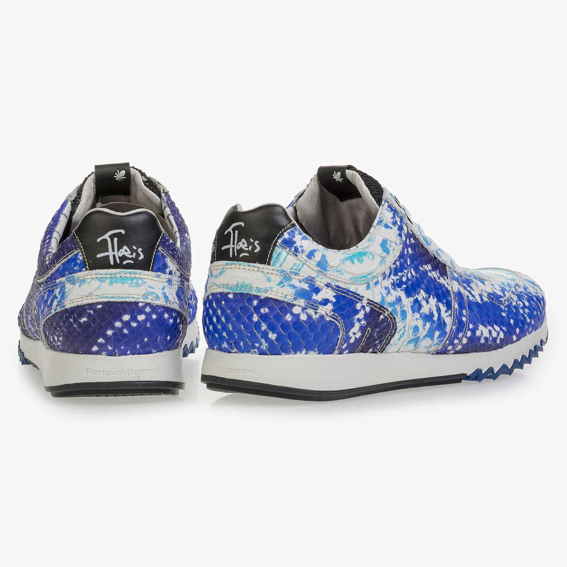 Blauer Leder Sneaker mit Schlangenprint
