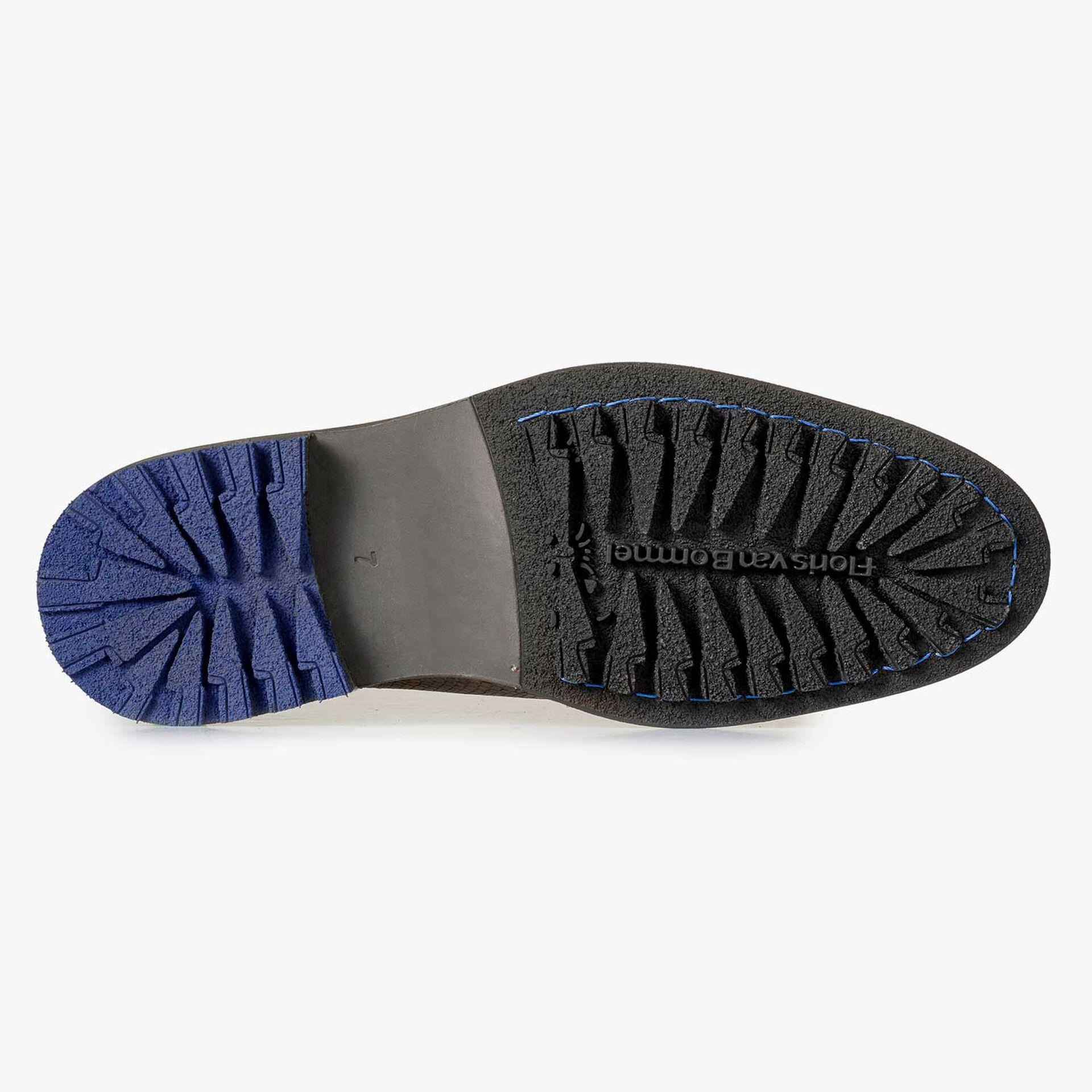 Brauner Nubukleder-Schnürstiefel mit Muster