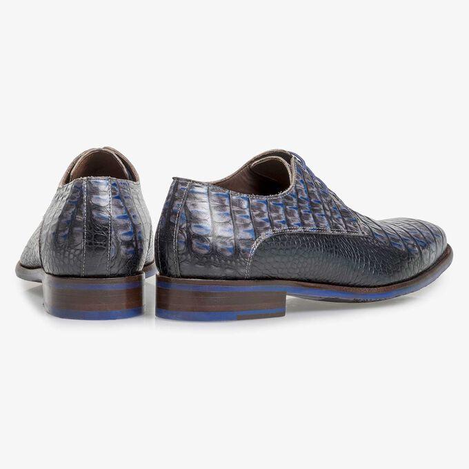 Blauer Leder-Schnürschuh mit Krokoprint