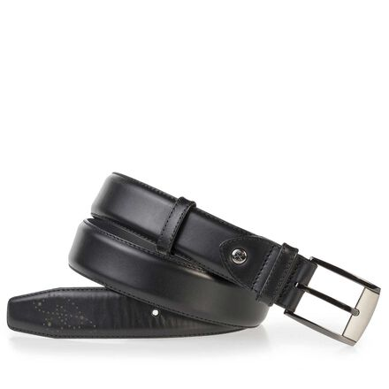 Calf's leather belt with perforations