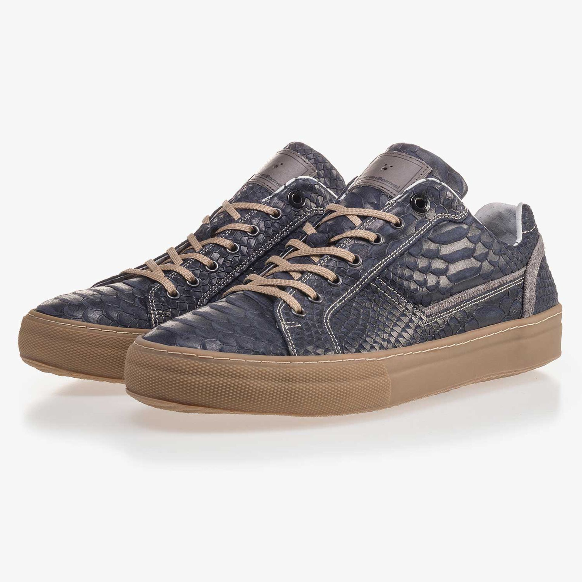 Dark blue leather sneaker finished with a snake print