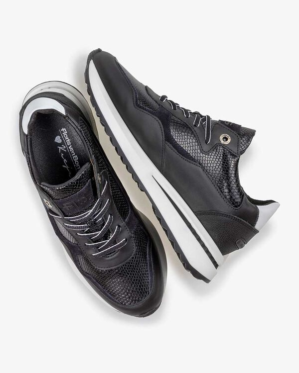 Sneaker Reptilienprint schwarz