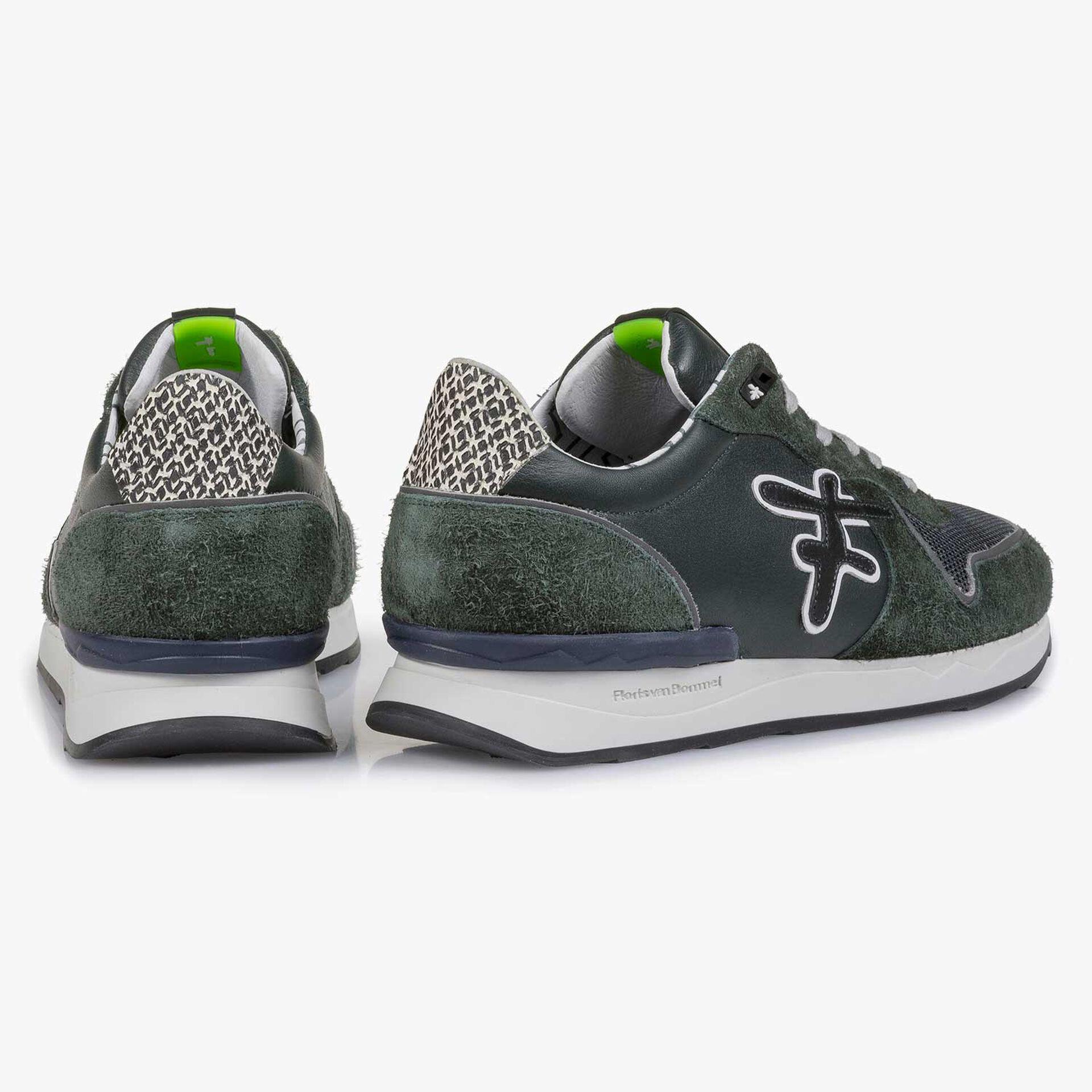 Dunkelgrüner Kalbsleder-Sneaker