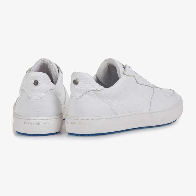 White slightly structured calf leather sneaker