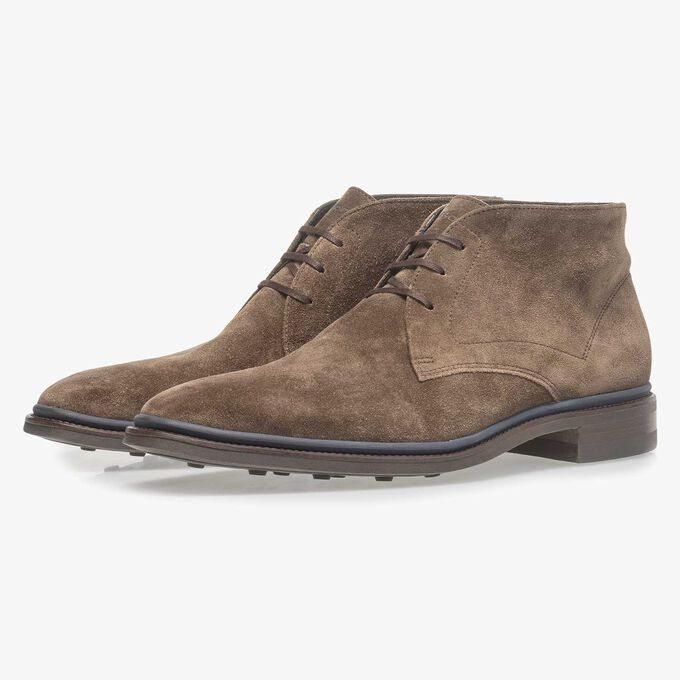 Dark taupe-coloured suede lace boot