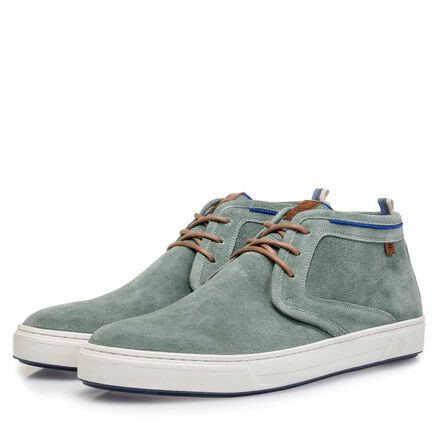 Washed suede leather lace shoe