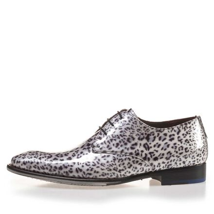 Patent leather lace shoe