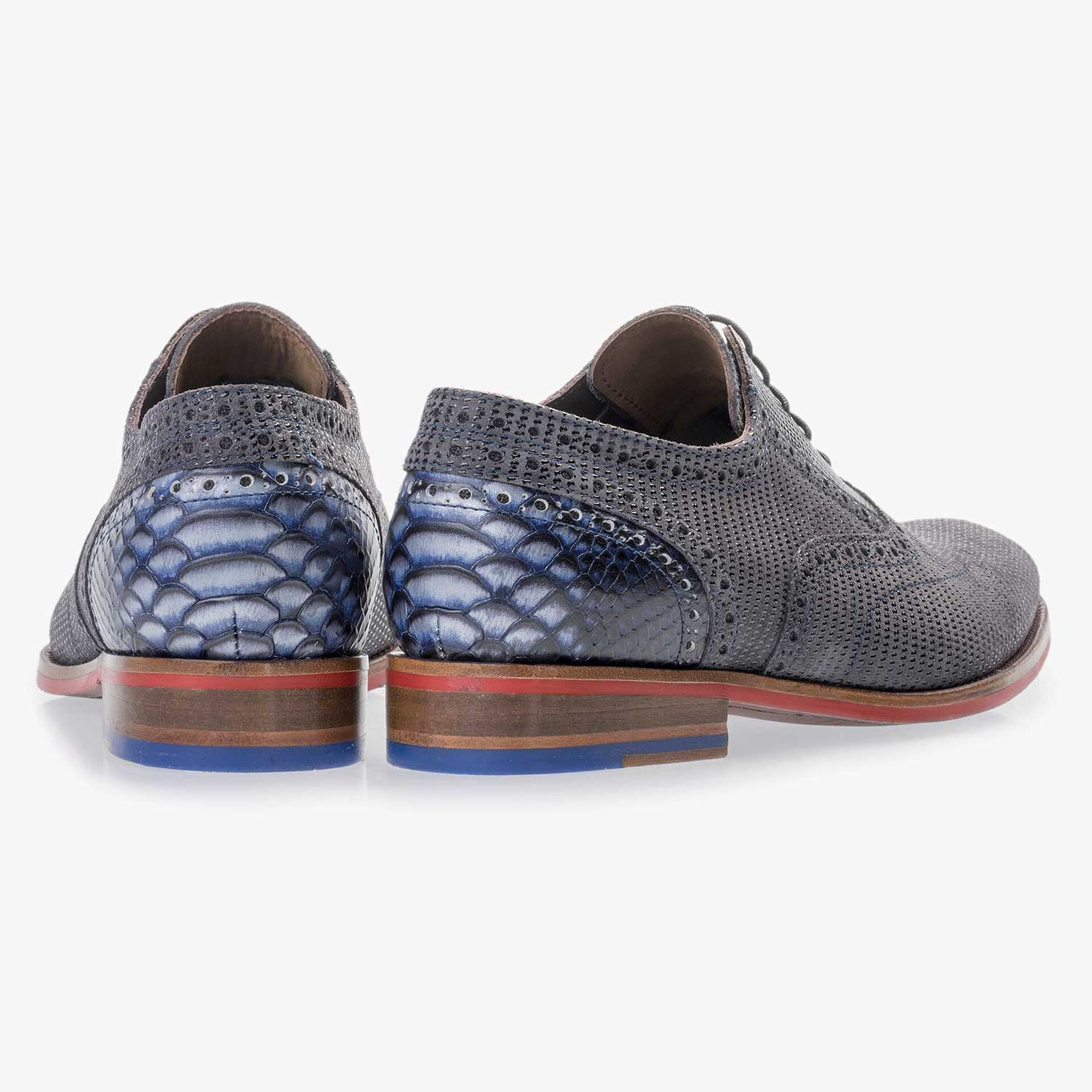 Dark grey patterned lace shoe made of suede leather