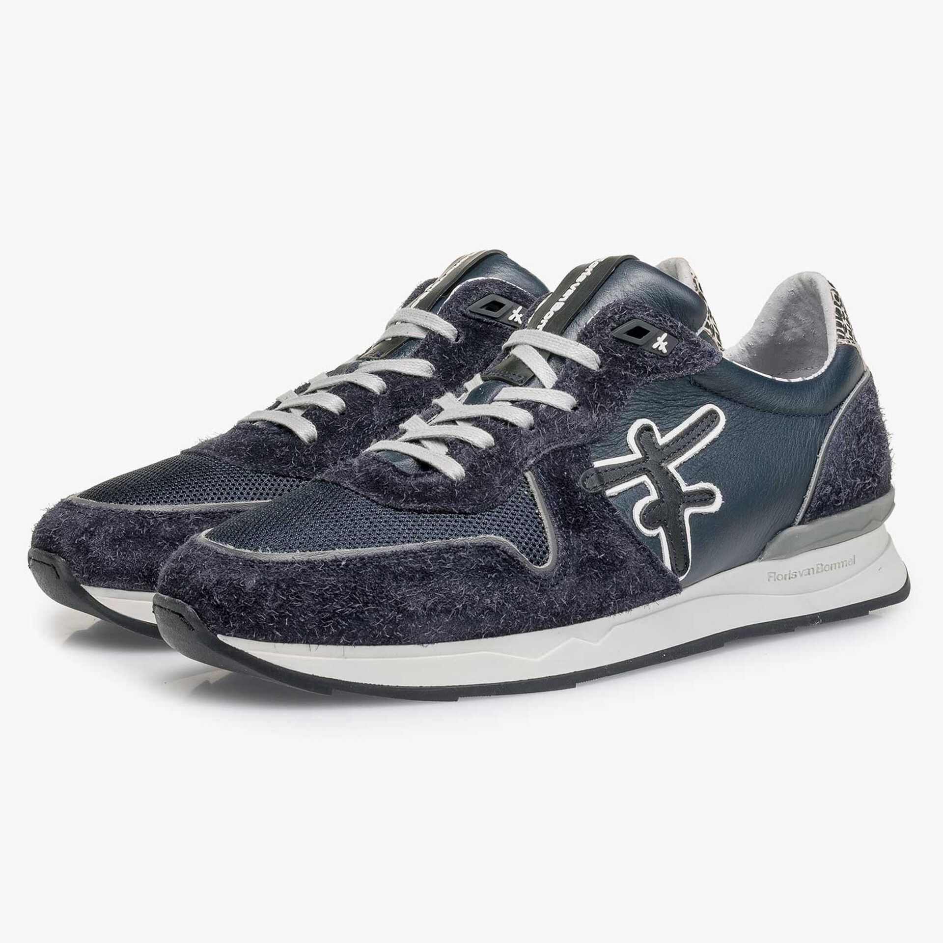 Dark blue calf leather sneaker