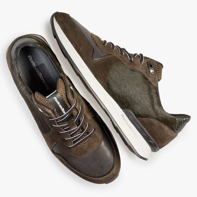 Green suede leather sneaker