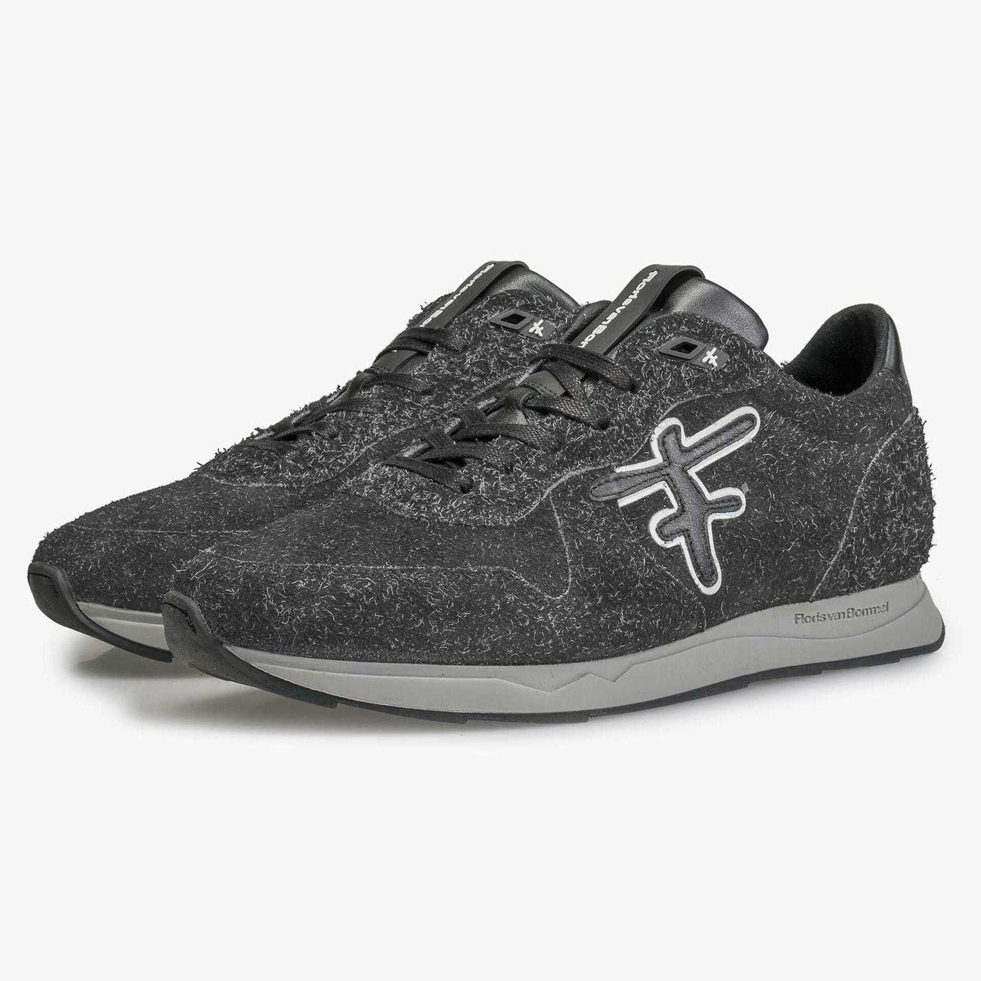 Dark grey rough-haired sneaker