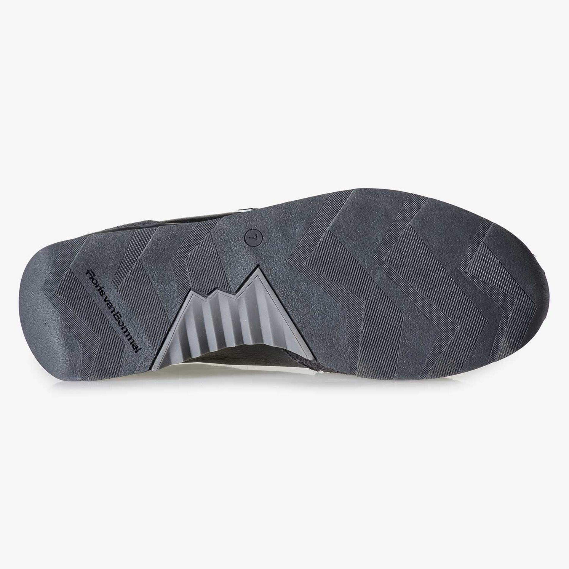 Black calf leather sneaker