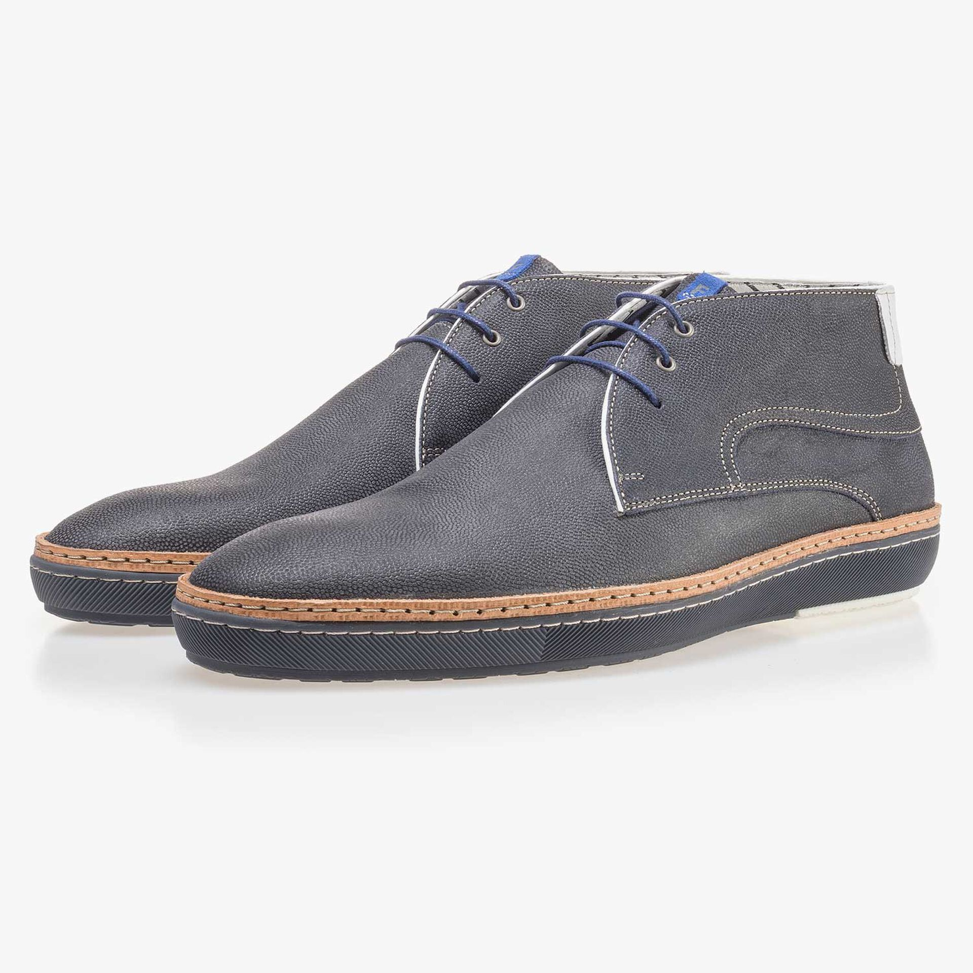 Dark blue suede leather lace boot with pattern