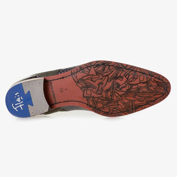 Grauer Leder-Schnürschuh mit Schlangenprint