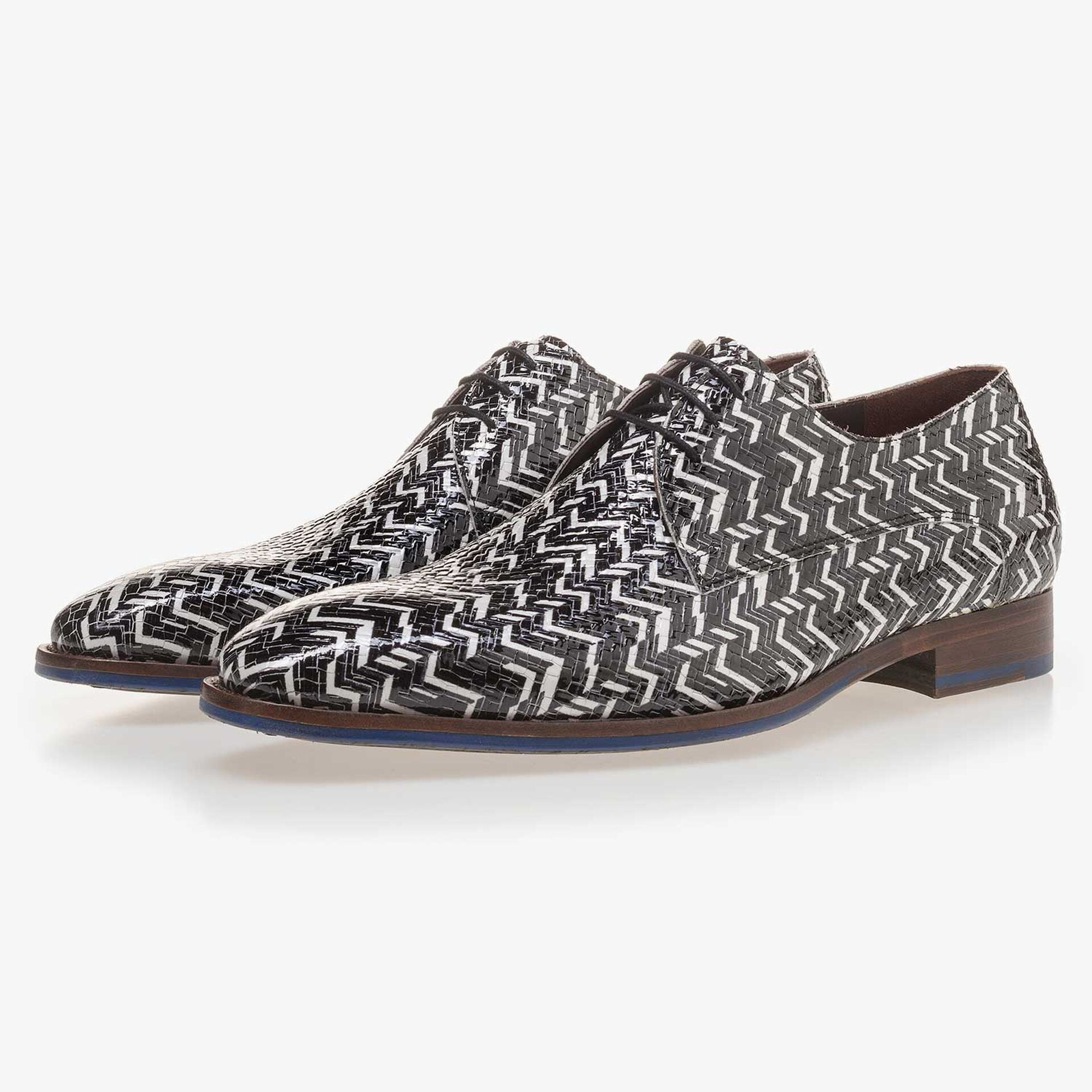 Black/White, patent leather lace shoe with pattern