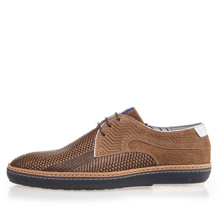 Lace shoe made of braided leather