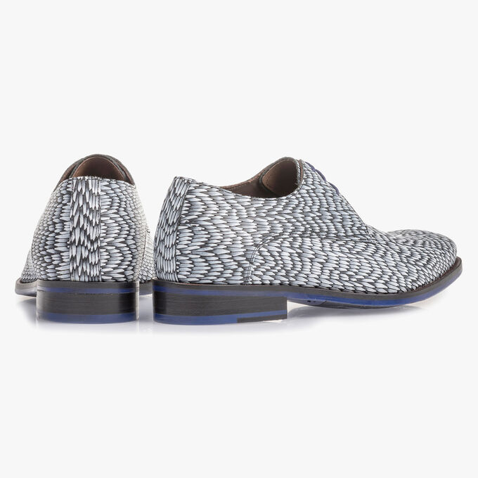 Light grey leather lace shoe with print
