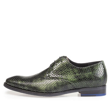 Printed patent leather lace shoe