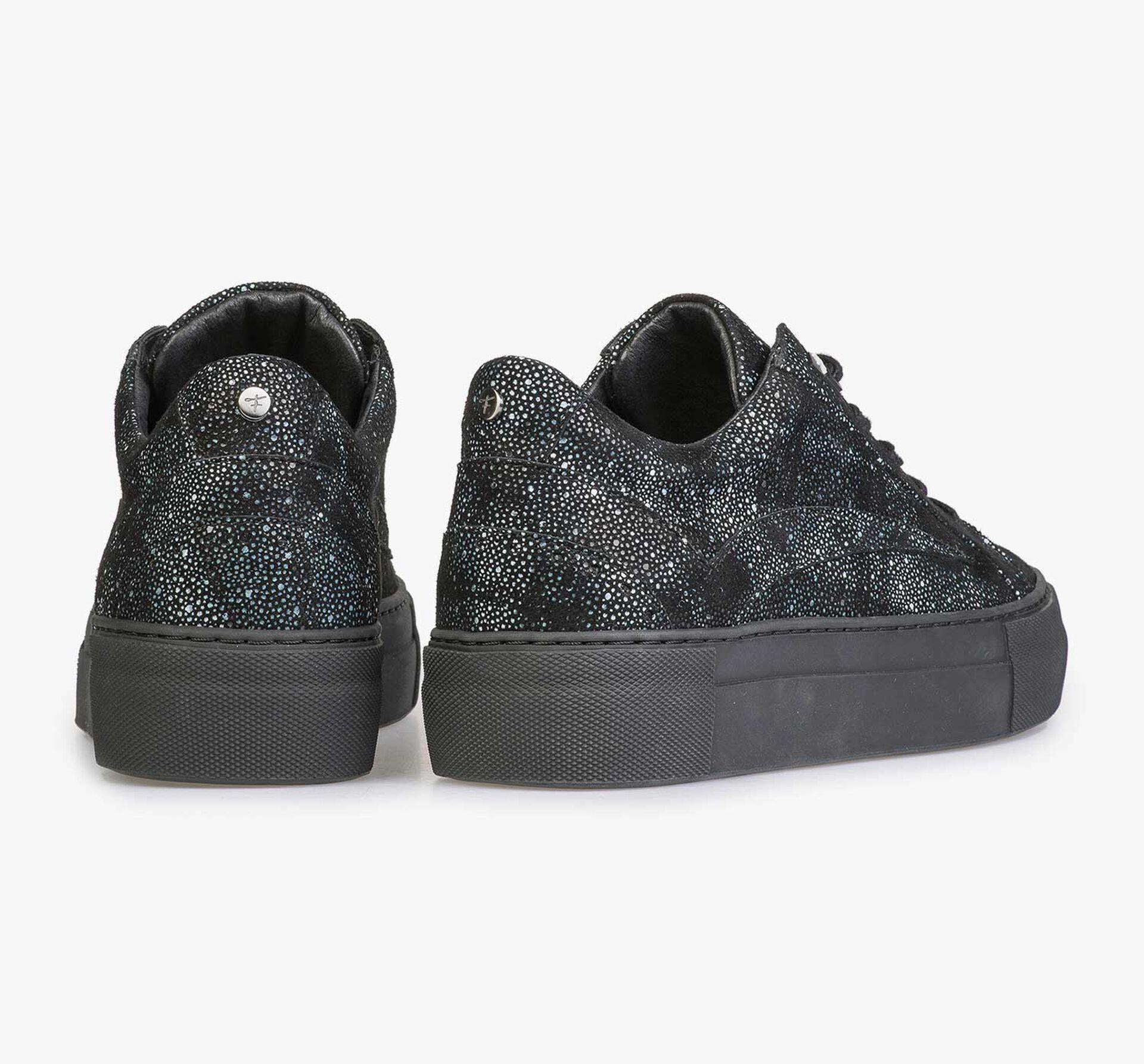 Leder-Sneaker mit schwarz-blauem Karomuster