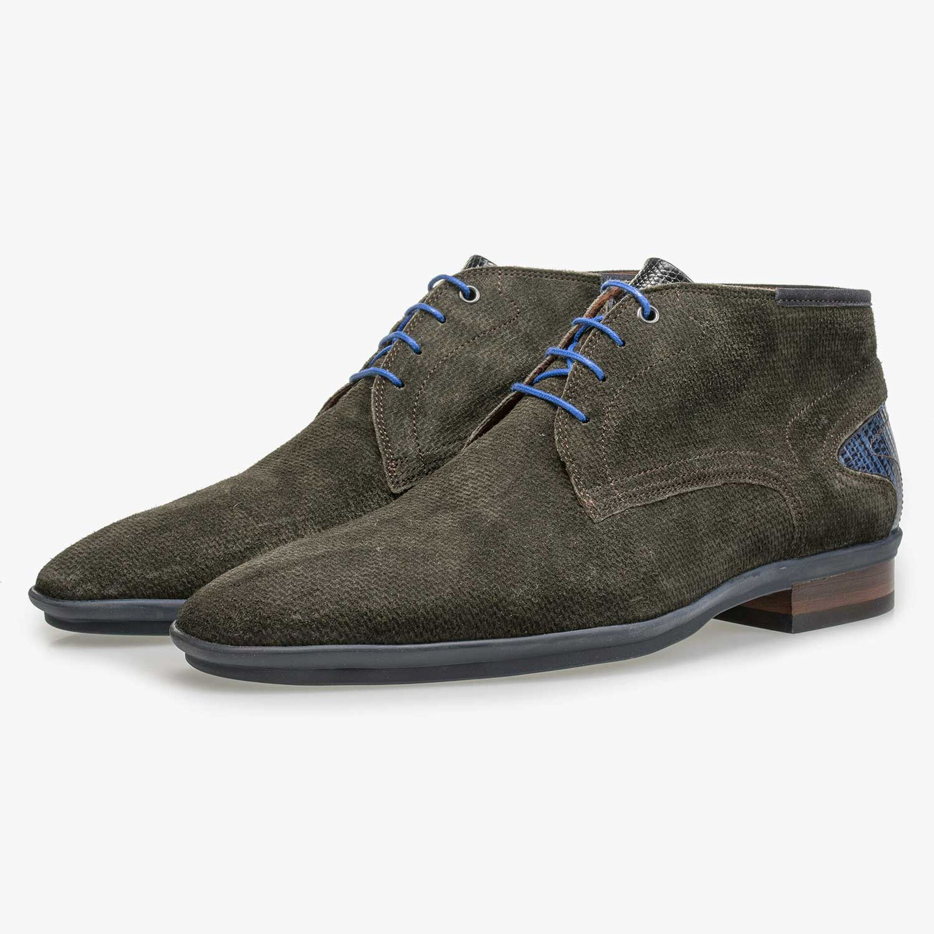 Mid-high green suede leather lace shoe
