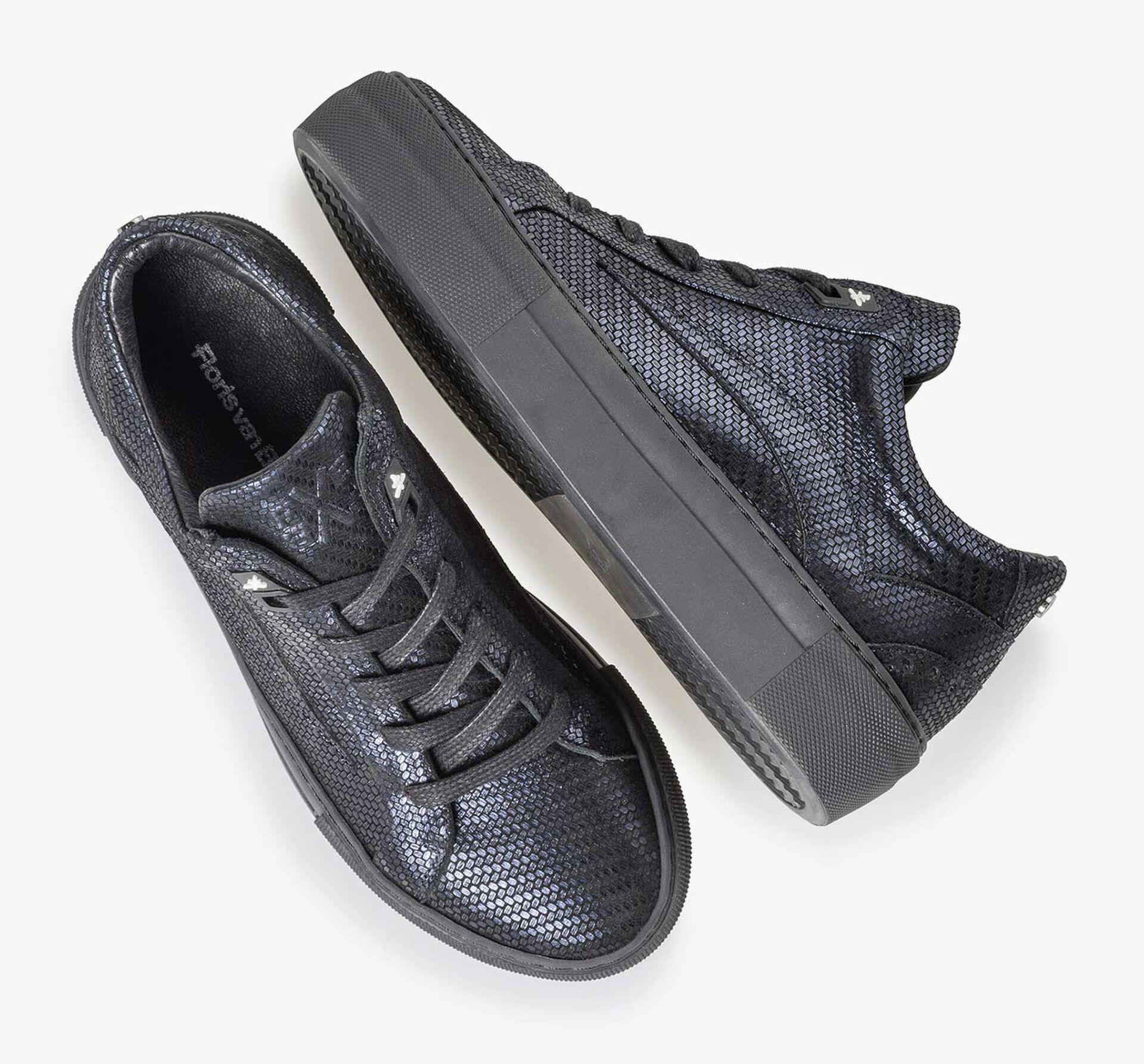 Blauer Leder-Sneaker mit Metallic-Print