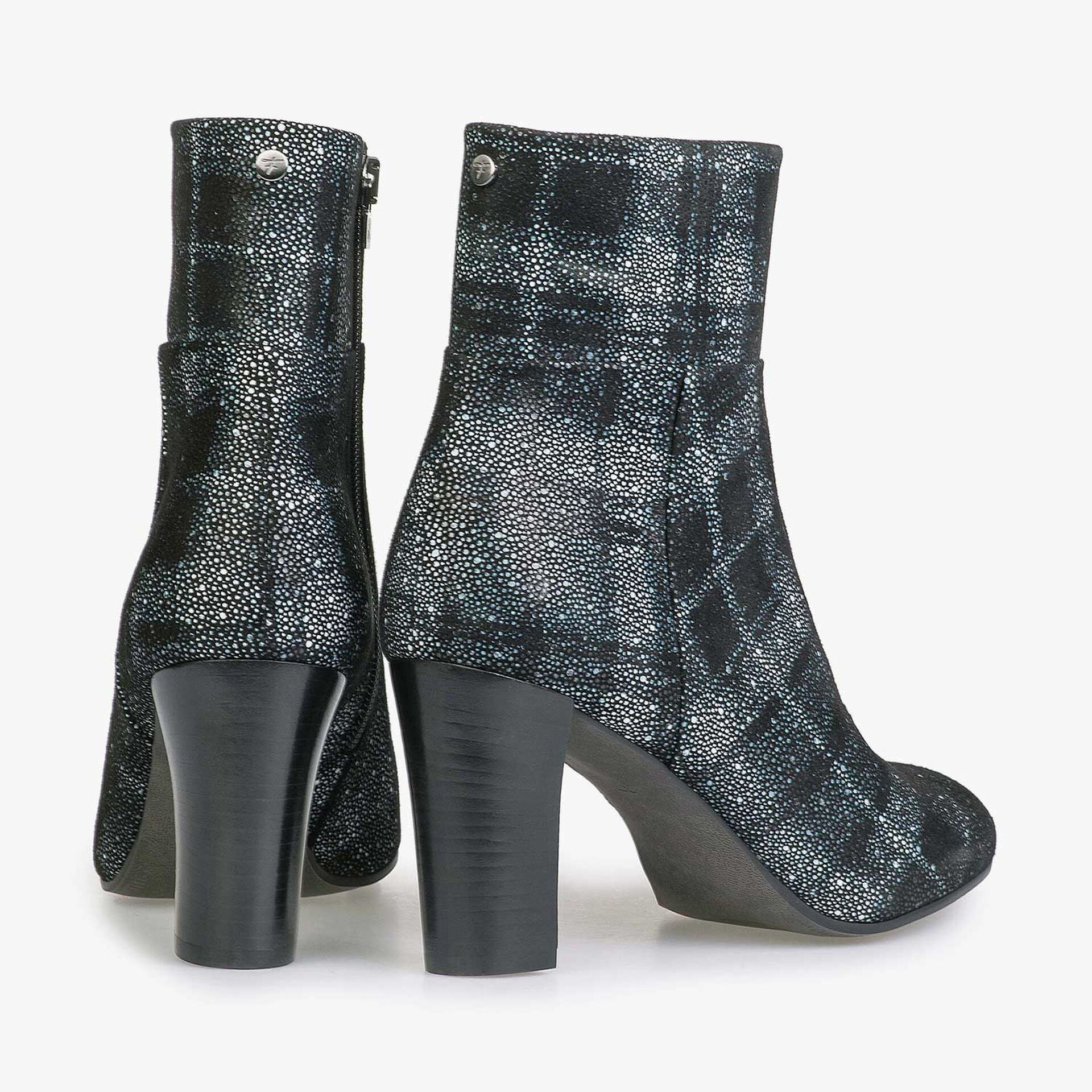 Ankle boot with black-blue check pattern