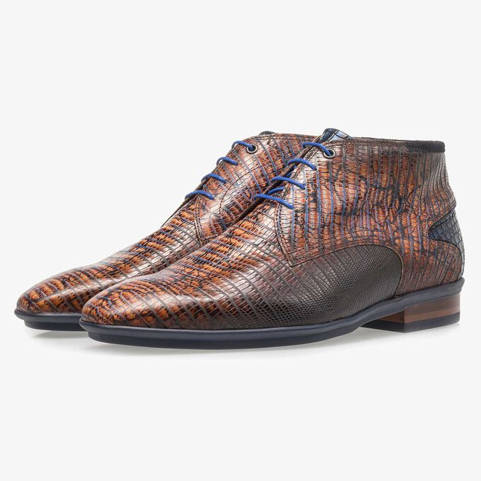 Cognac-coloured calf leather lace shoe with lizard print
