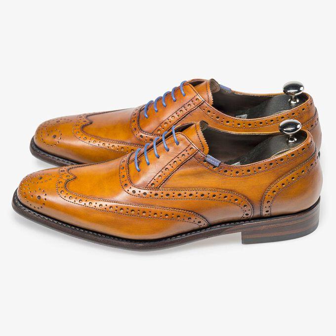 Schwarzer Schuhspanner aus Holz