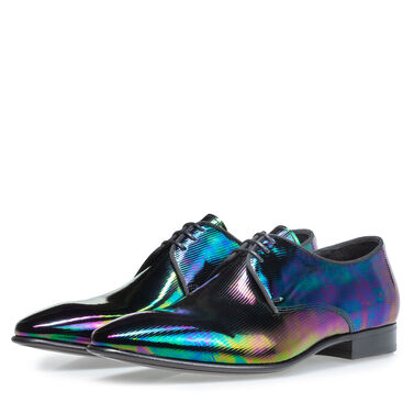 Patent leather lace-up shoe