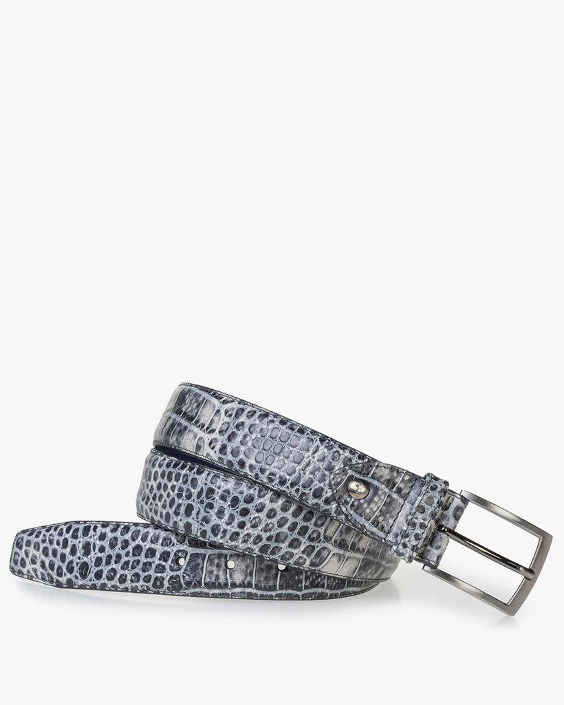 Schwarzer Ledergürtel mit grauem Krokoprint