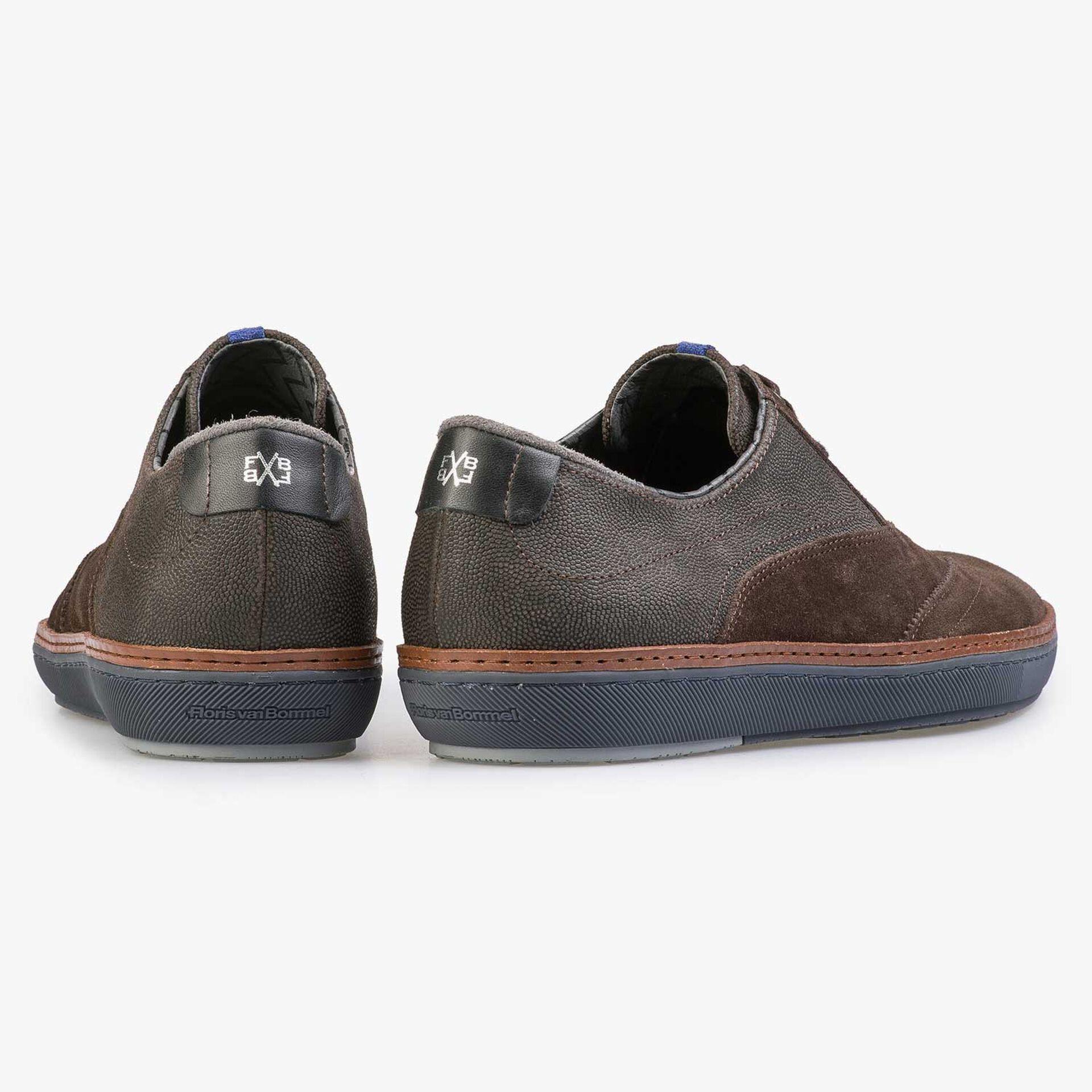 Brauner Brogue-Sneaker aus Kalbswildleder