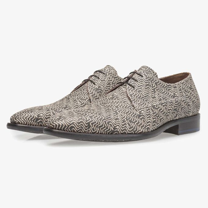 Grey leather lace shoe with graphic print