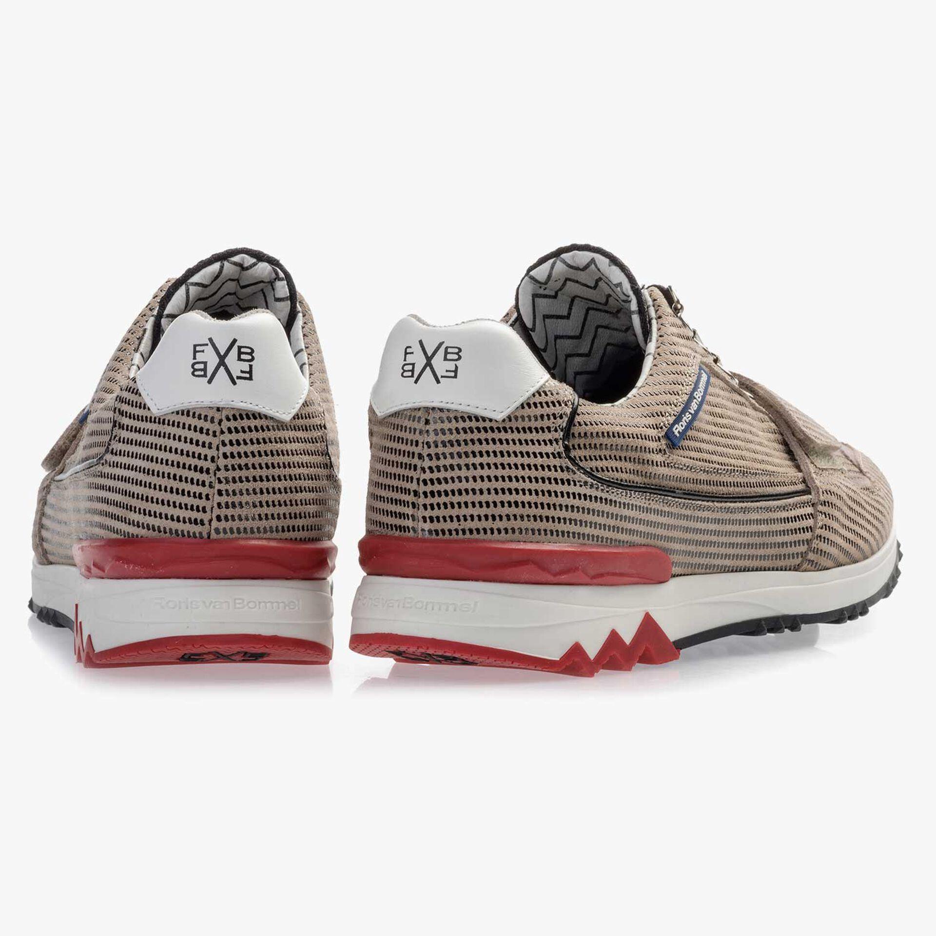 Premium Sandfarbener Wildleder Sneaker mit Klettverschluß