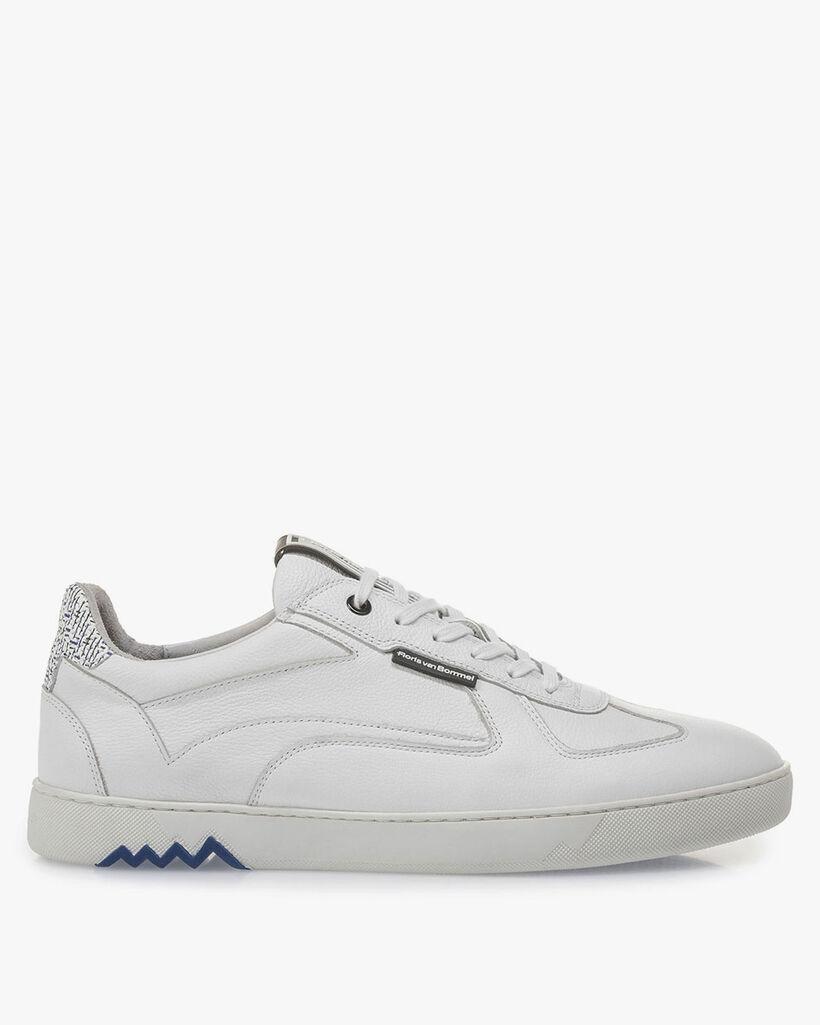 Weißer Kalbsleder-Sneaker mit feiner Struktur