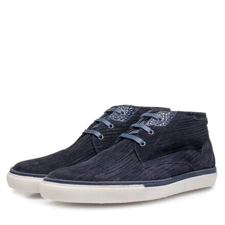 Calf leather lace shoe with pattern